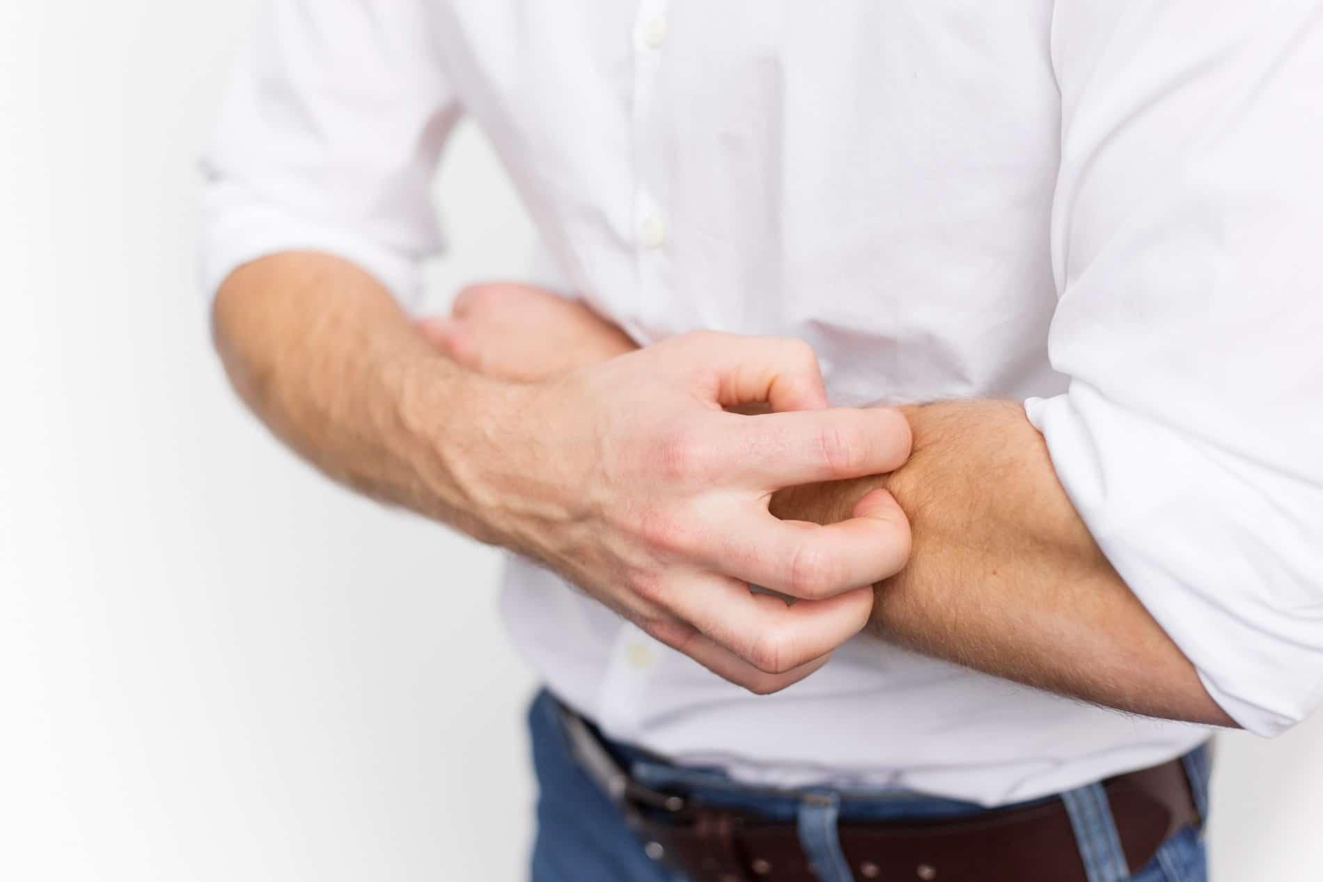 Les démangeaisons de la dermatite atopique